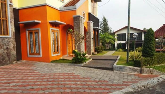 villa orange di kawasan lembang