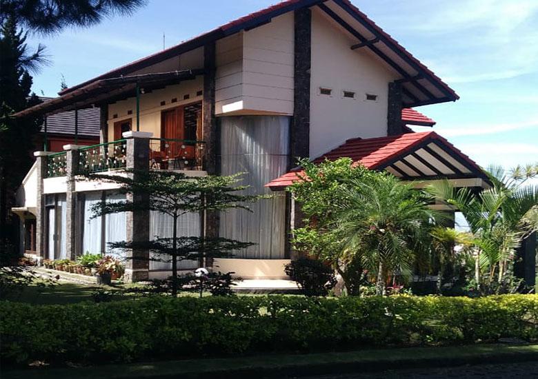 villa lembang di kawasan lembang