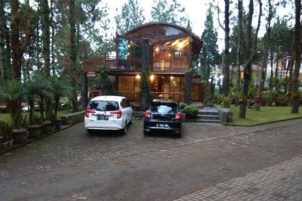 villa pinus di kawasan lembang