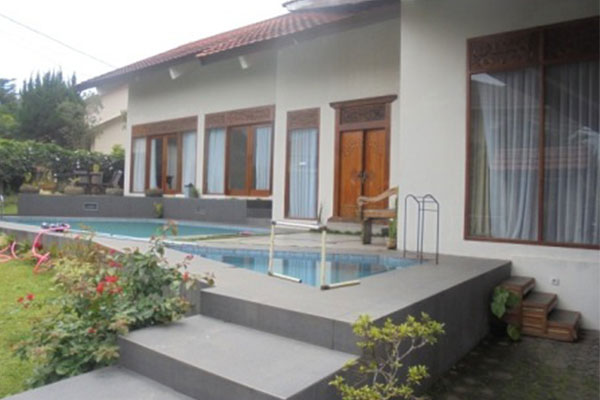 villa-di-kasasan-Lembang