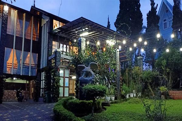 villa gartik lembang